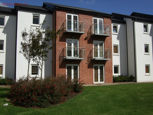 3 BED APT TO LET, To Let